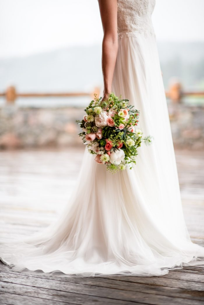6 Colorado Wedding At Evergreen Lakehouse Elizabeth Ann Photography Via MountainsideBride.com