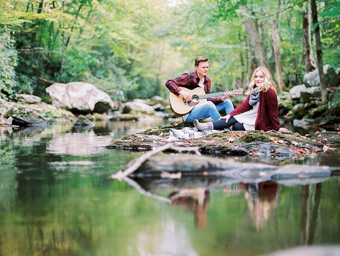 Smoky Mountains Engagement | Juicebeats Photography | via MountainsideBride.com