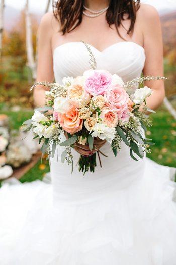 10 Vermont Fall Wedding | Lex Nelson Photography | Via MountainsideBride.com