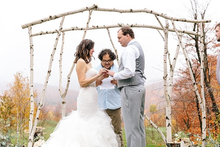 11 Ceremony | Vermont Fall Wedding | Lex Nelson Photography | Via MountainsideBride.com