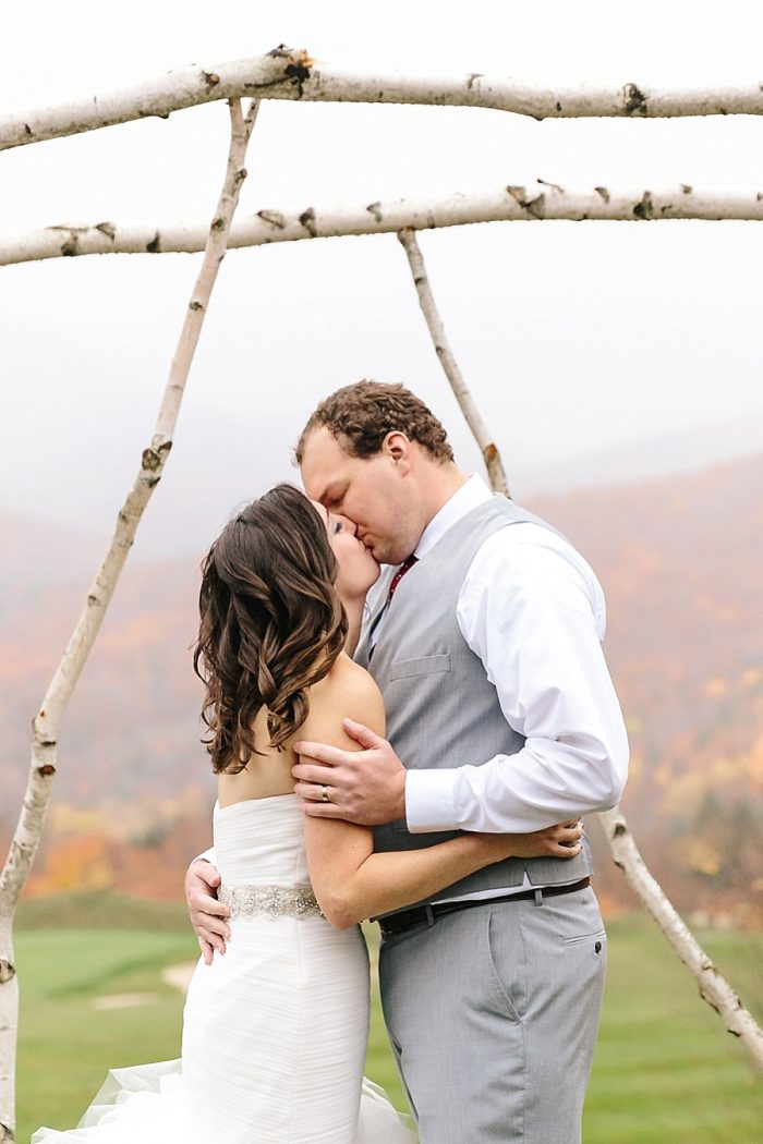 12 Ceremony | Vermont Fall Wedding | Lex Nelson Photography | Via MountainsideBride.com