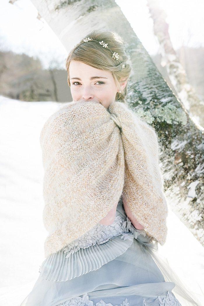 10 Vermont Winter Wedding Inspiration | Amy Donohue Photography | Via MountainsideBride.com