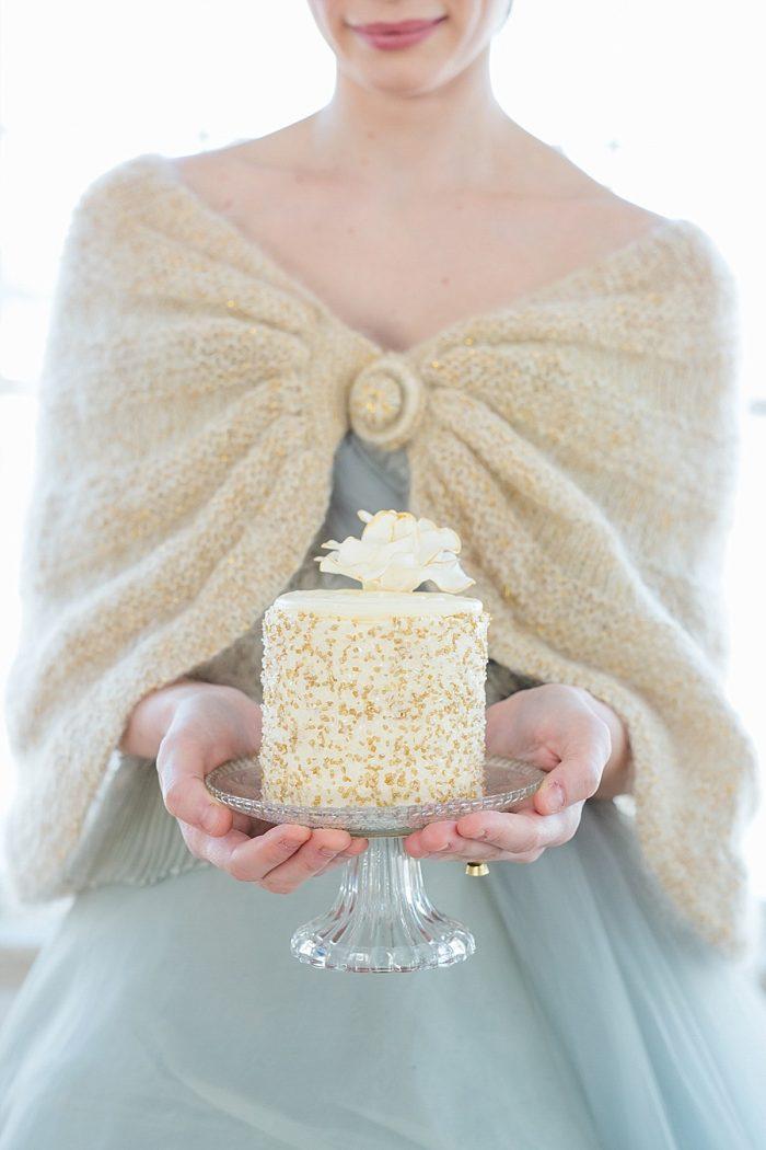 13 Vermont Winter Wedding Inspiration | Amy Donohue Photography | Via MountainsideBride.com
