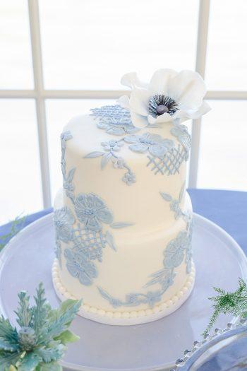 14a Vermont Winter Wedding Inspiration | Amy Donohue Photography | Via MountainsideBride.com