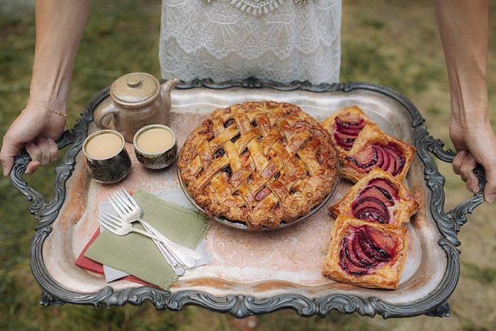 15 Autumn Harvest Wedding Inspiration | Carolyn Marie Photography | Via MountainsideBride.com
