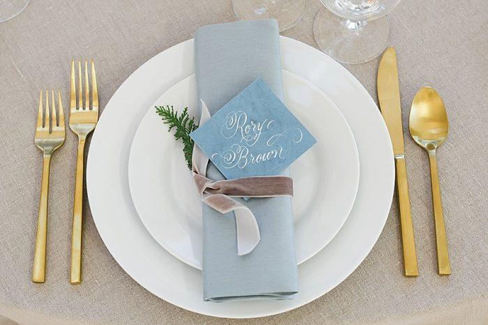 15 Vermont Winter Wedding Inspiration | Amy Donohue Photography | Via MountainsideBride.com
