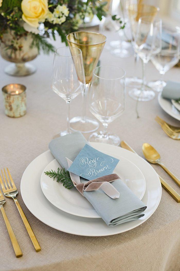 21 Vermont Winter Wedding Inspiration | Amy Donohue Photography | Via MountainsideBride.com
