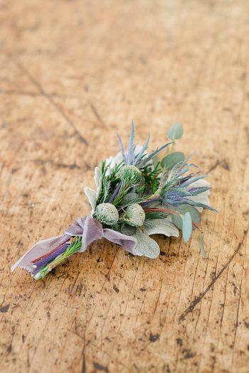 26a Vermont Winter Wedding Inspiration | Amy Donohue Photography | Via MountainsideBride.com