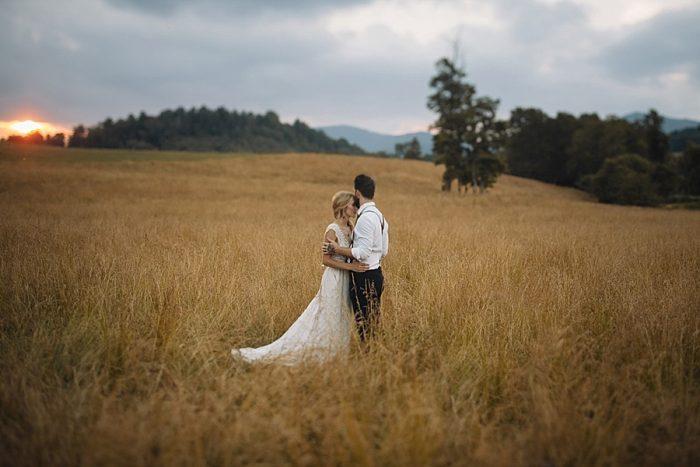 29 Autumn Harvest Wedding Inspiration | Carolyn Marie Photography | Via MountainsideBride.com