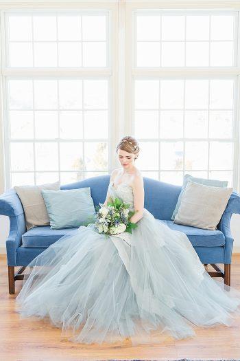 29 Vermont Winter Wedding Inspiration   Amy Donohue Photography   Via MountainsideBride.com