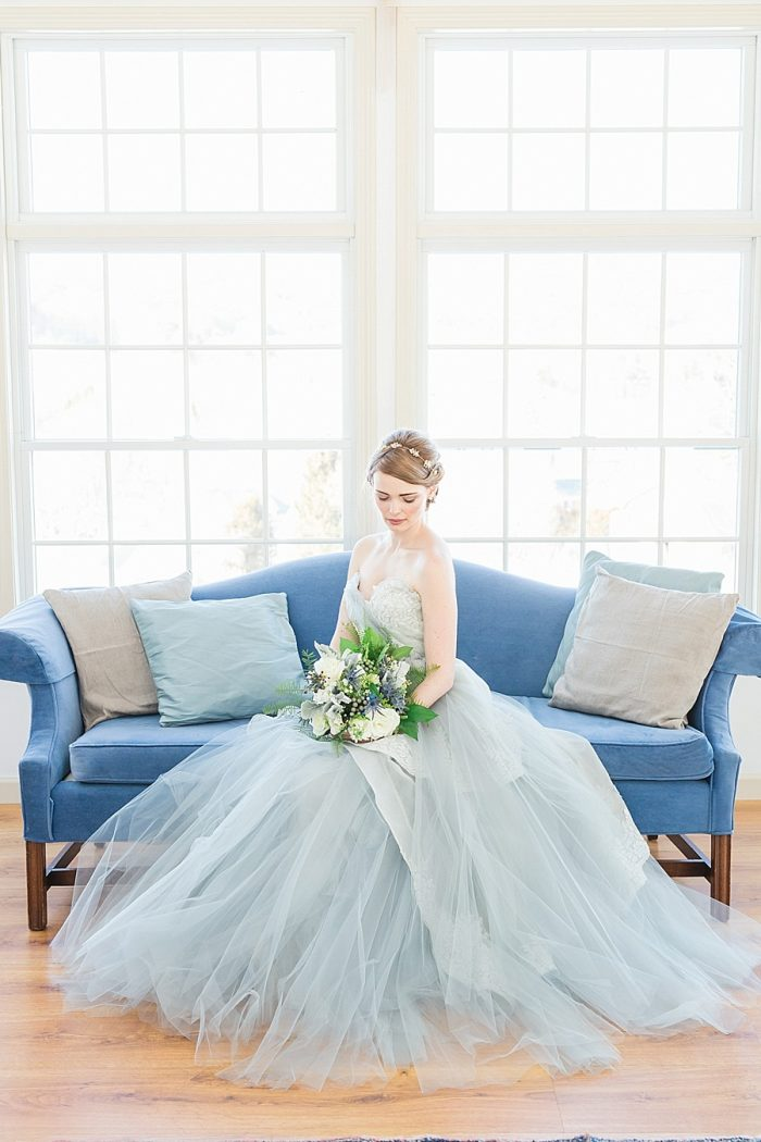 29 Vermont Winter Wedding Inspiration | Amy Donohue Photography | Via MountainsideBride.com