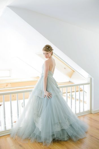 30 Vermont Winter Wedding Inspiration   Amy Donohue Photography   Via MountainsideBride.com