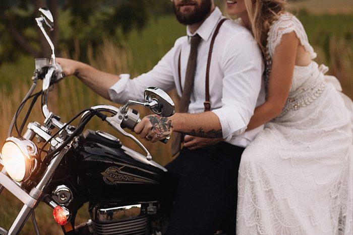 32 Autumn Harvest Wedding Inspiration | Carolyn Marie Photography | Via MountainsideBride.com