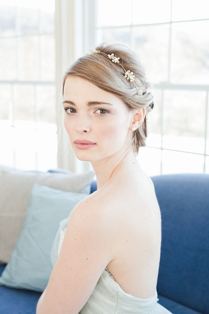 32 Vermont Winter Wedding Inspiration | Amy Donohue Photography | Via MountainsideBride.com