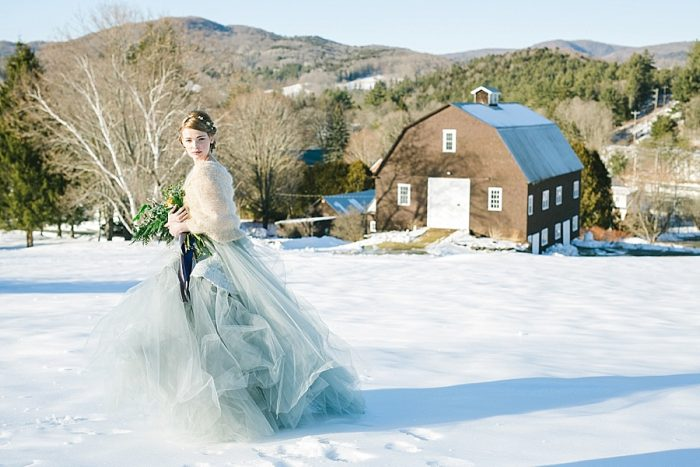 33 Vermont Winter Wedding Inspiration | Amy Donohue Photography | Via MountainsideBride.com