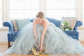 9 Vermont Winter Wedding Inspiration   Amy Donohue Photography   Via MountainsideBride.com
