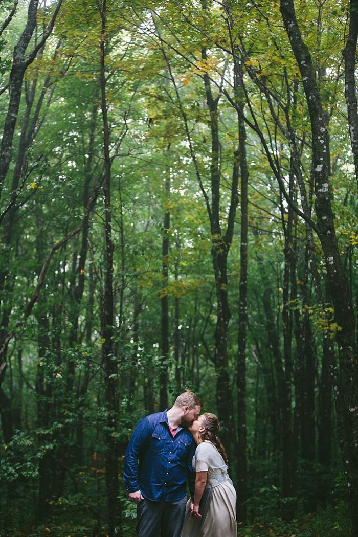 15 Simple Elk Knob Wedding North Carolina Rachael McIntosh Photography Via MountainsideBride