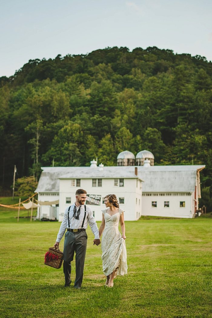 19 Summer Camp Wedding Inspiration | Fete Photography | Via MountainsideBride.com.
