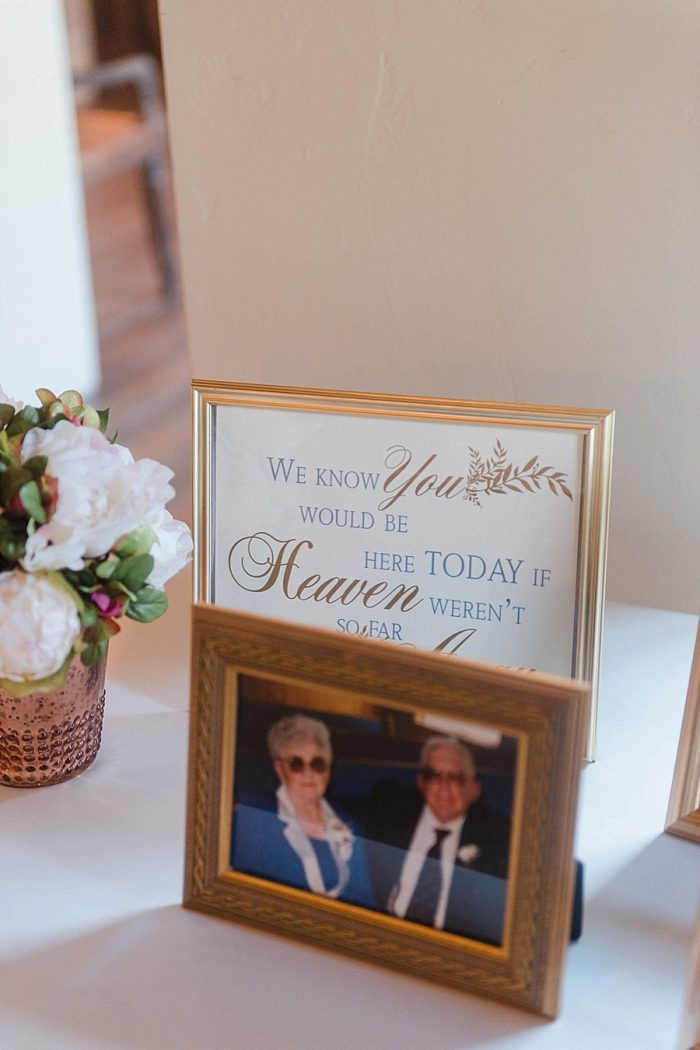 31 Memorial Table Sunshower Photography Via MountainsideBride.com
