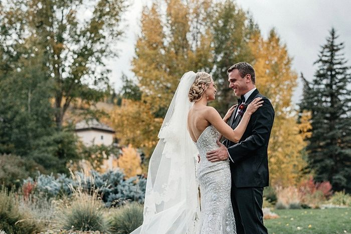 10 First Look Vail Autumn Wedding Eric Lundgren Photography Via MountainsideBride.com