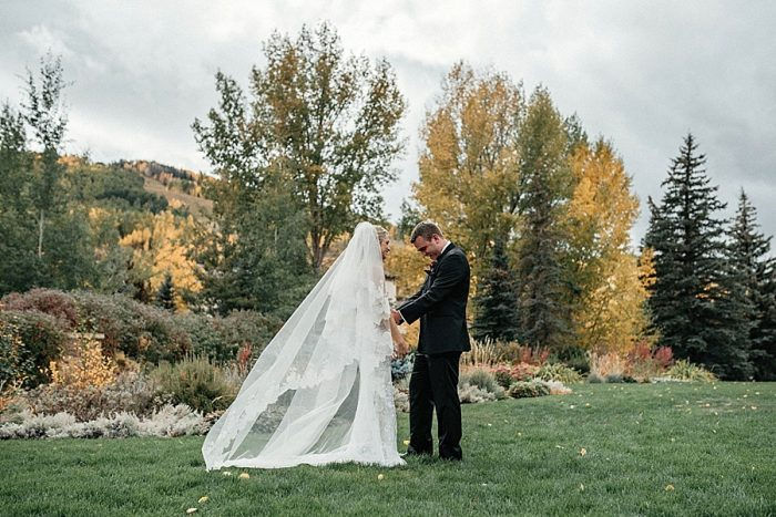 11 First Look Vail Autumn Wedding Eric Lundgren Photography Via MountainsideBride.com