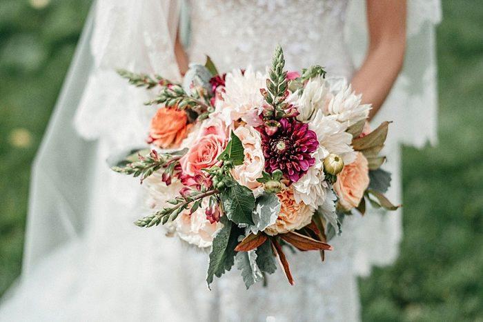 13 Bouquet Vail Autumn Wedding Eric Lundgren Photography Via MountainsideBride.com