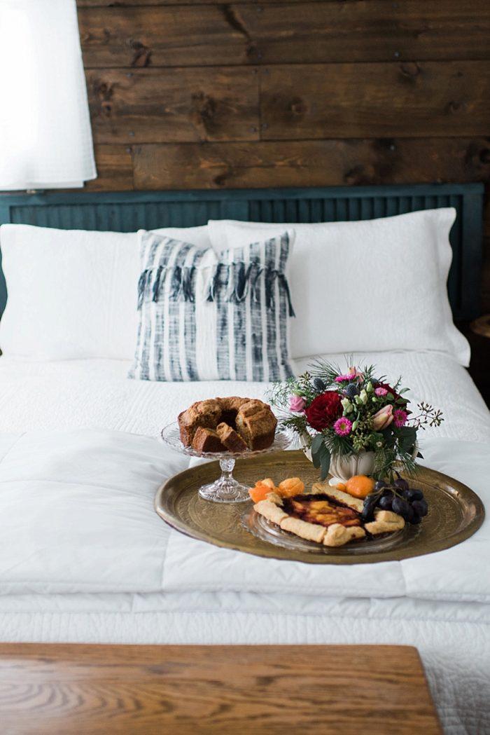 4 White Mountain New Hampshire Winter Wedding Inspiration Jesse Wyman Via MountainsideBride.com