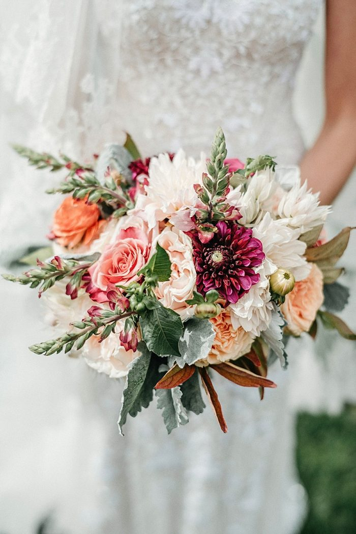 7 Bouquet Vail Autumn Wedding Eric Lundgren Photography Via MountainsideBride.com