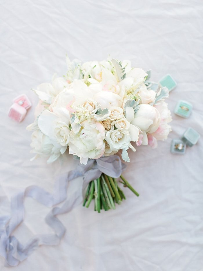 10 Bouquet2 Silverthorne Colorado Wedding A Vintage Affair Via MountainsideBride.com