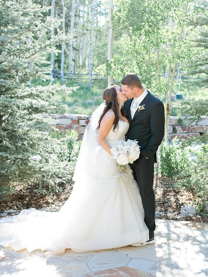 34 Kiss2 Silverthorne Colorado Wedding A Vintage Affair Via MountainsideBride.com .