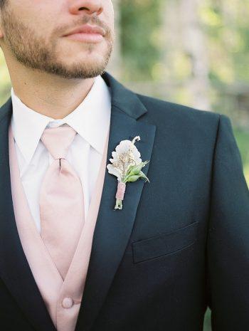 8 Groom Bout Silverthorne Colorado Wedding A Vintage Affair Via MountainsideBride.com