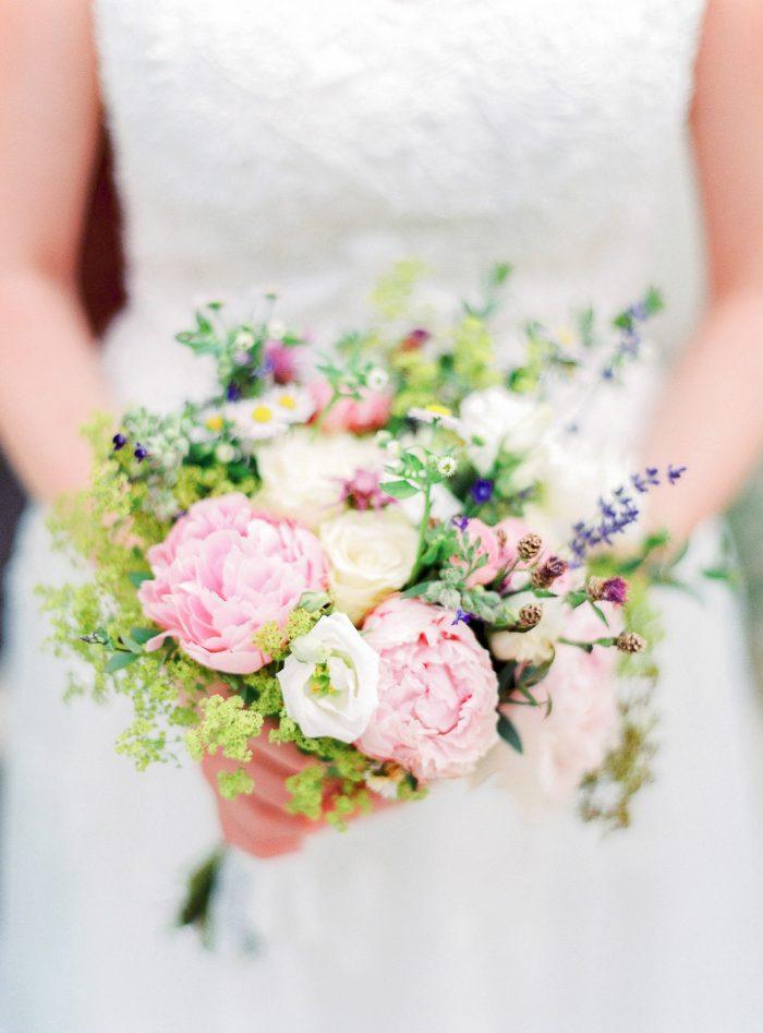 11 Bridal Details Colorful Austrian Wedding Theresa Pewal Via MountainsideBride.com
