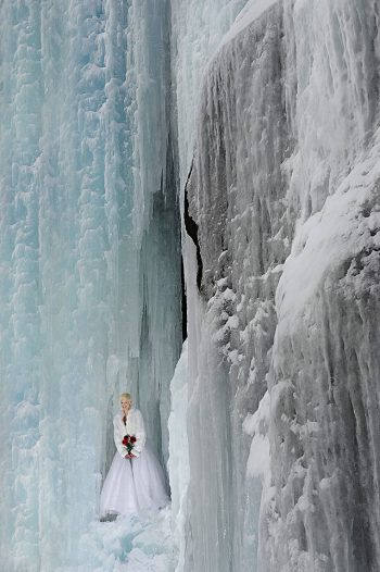 Ice Queen Jay Philbreck Cliff Side Wedding Photography Via MountainsideBride.com