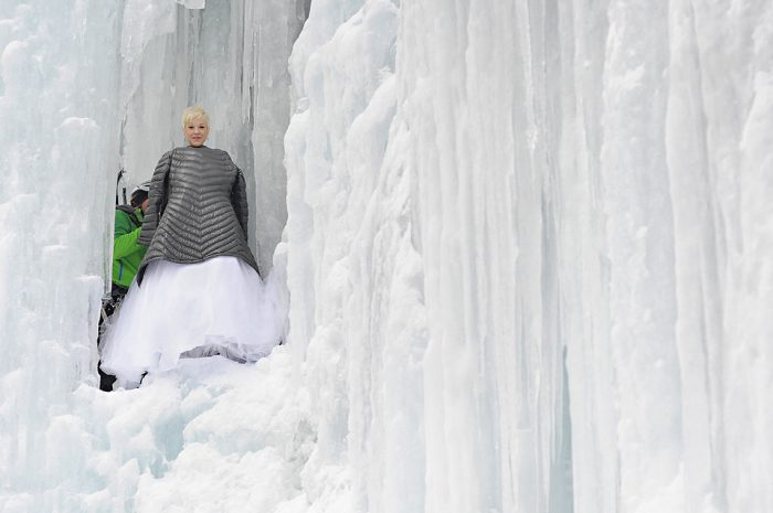 Ice Queen Warms Up Jay Philbreck Cliff Side Wedding Photography Via MountainsideBride.com