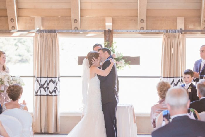 14 Timberline Lodge Oregon Susie And Will Photography Via MountainsideBride.com