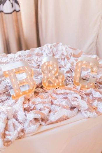 17 Timberline Lodge Oregon Susie And Will Photography Via MountainsideBride.com