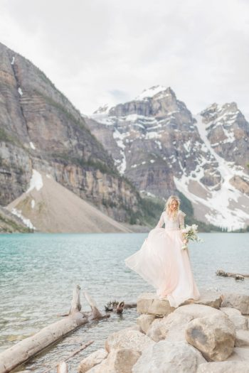 18 Banff Anniversay Ashley Tyler Anniversary KIR2BEN Via MountainsideBride.com