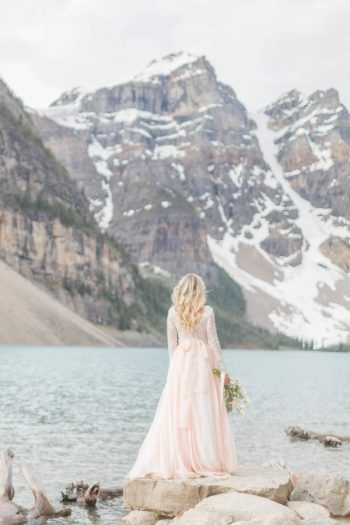 19 Banff Anniversay Ashley Tyler Anniversary KIR2BEN Via MountainsideBride.com