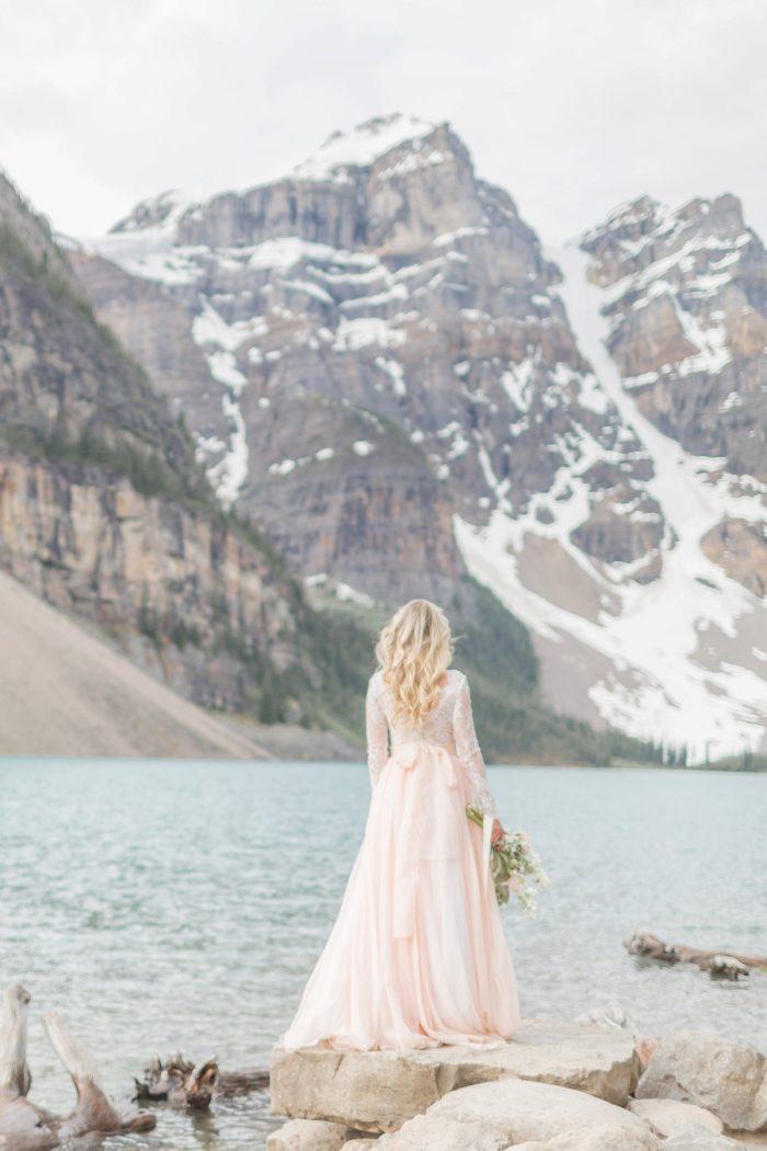 19 Banff Anniversay Ashley Tyler Anniversary KIR2BEN Via MountainsideBride.com