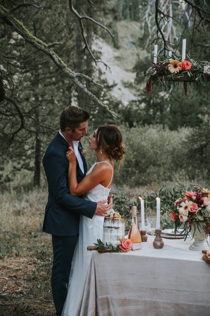 28 PNW Summer Styled Shoot Red Poppy Photo Via MountainsideBride.com