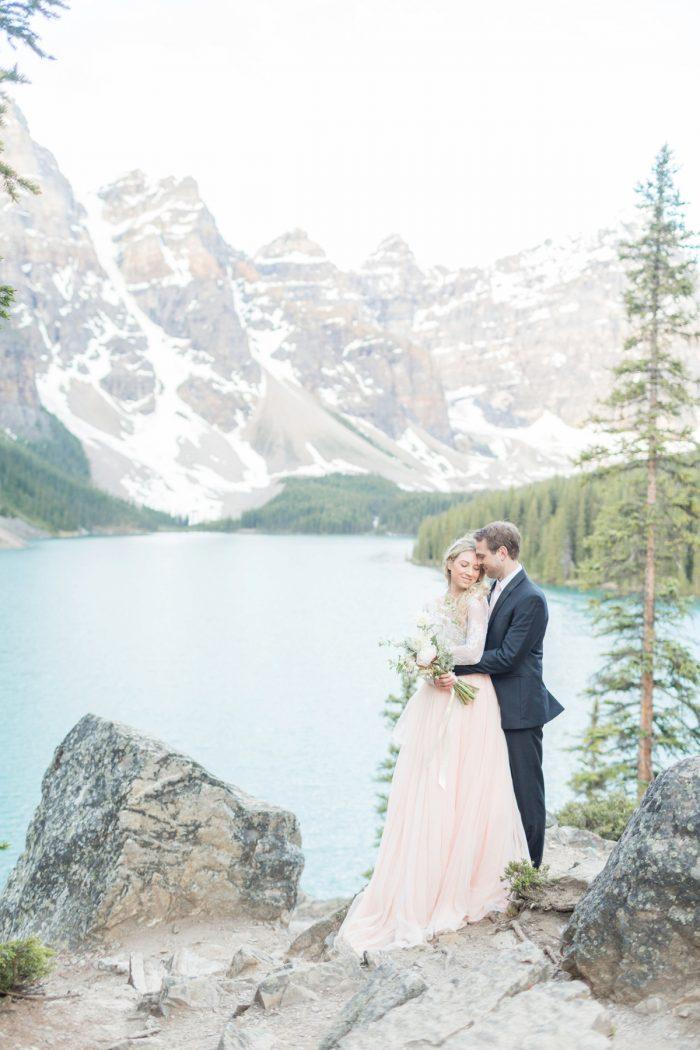 5 Banff Anniversay Ashley Tyler Anniversary KIR2BEN Via MountainsideBride.com