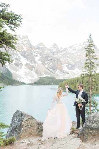 8 Banff Anniversay Ashley Tyler Anniversary KIR2BEN Via MountainsideBride.com