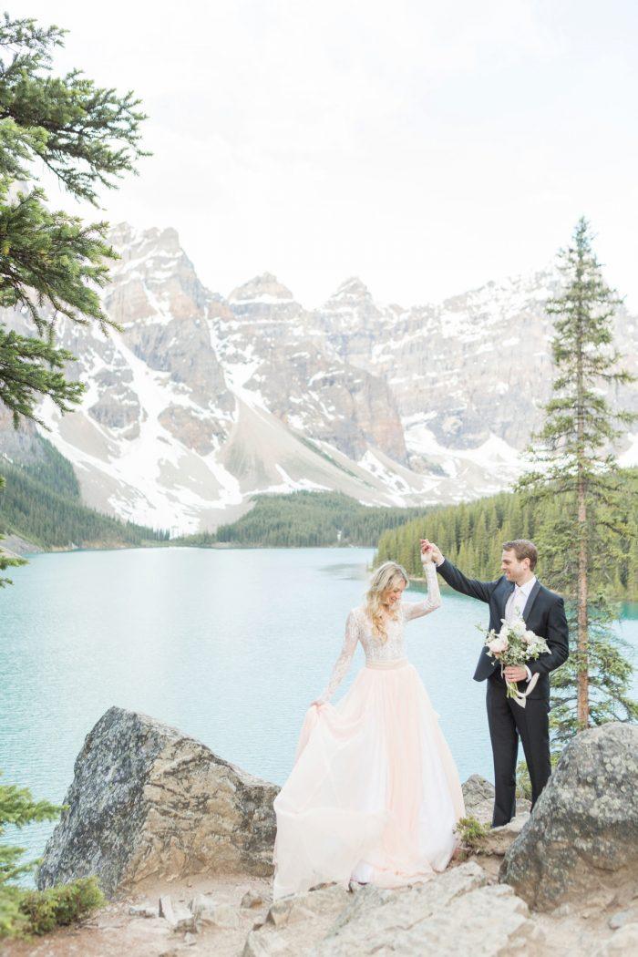 8 Banff Anniversay Ashley Tyler Anniversary KIR2BEN Via MountainsideBride.com