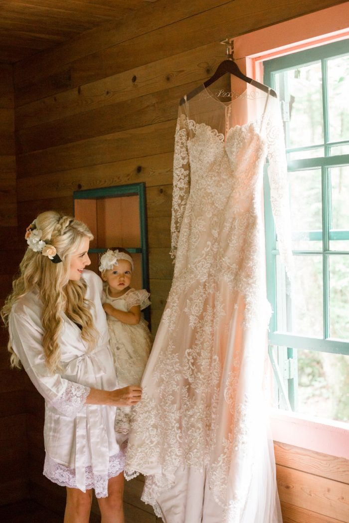 8 Roan Mountain Wedding JoPhotos Via Mountainsidebride.com