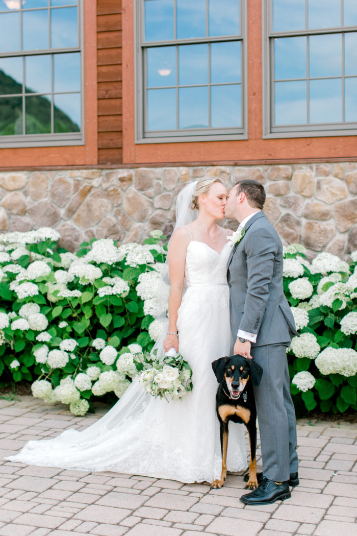 A Romantic Summer Wedding In The Blue Ridge Mountains Kathryn Ivy Photography11