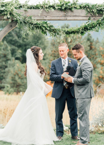 A Warm Homestead Wedding In Washington Something Minted Photography32