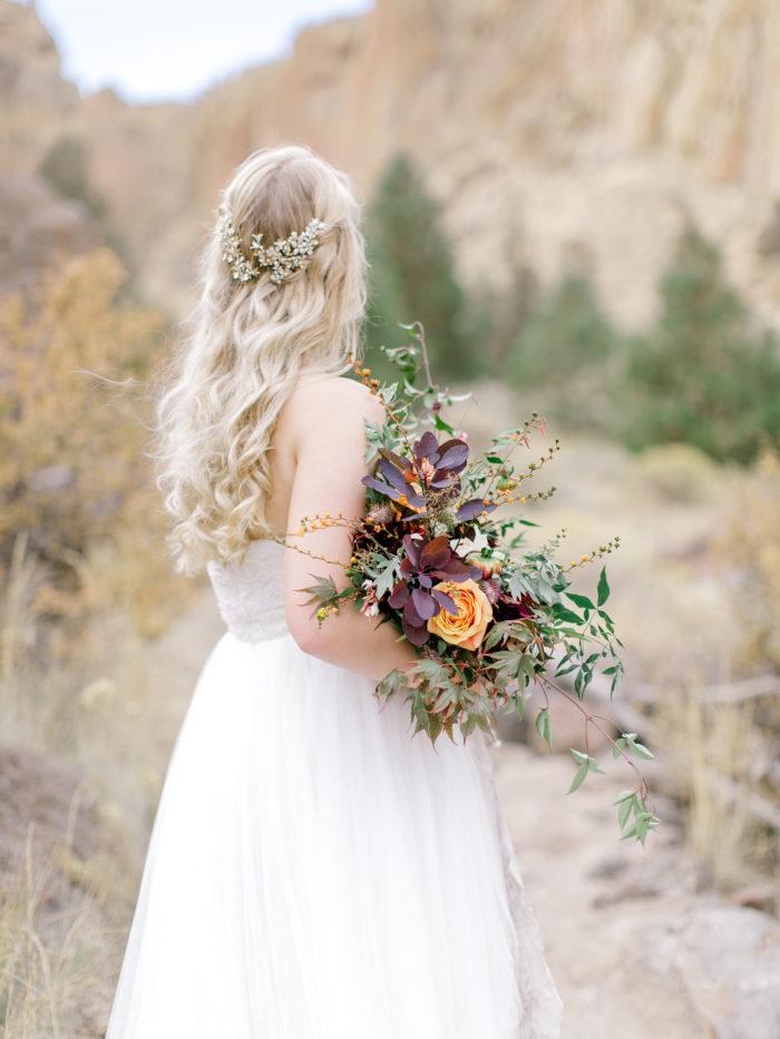 Romantic Smith Rock Bridal Shoot KT Crabb Photography05