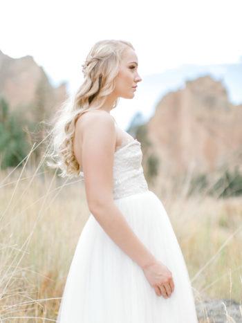 Romantic Smith Rock Bridal Shoot KT Crabb Photography08