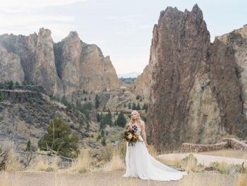 Romantic Smith Rock Bridal Shoot KT Crabb Photography20