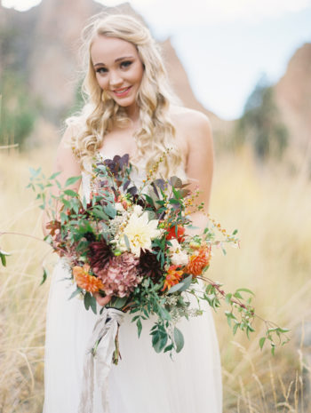 Romantic Smith Rock Bridal Shoot KT Crabb Photography21